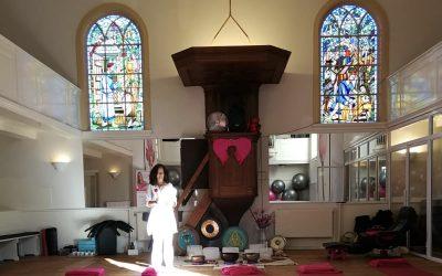 Vrouw – vitaal kerkje Beverwijk